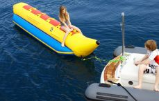 Motor Yacht Contact